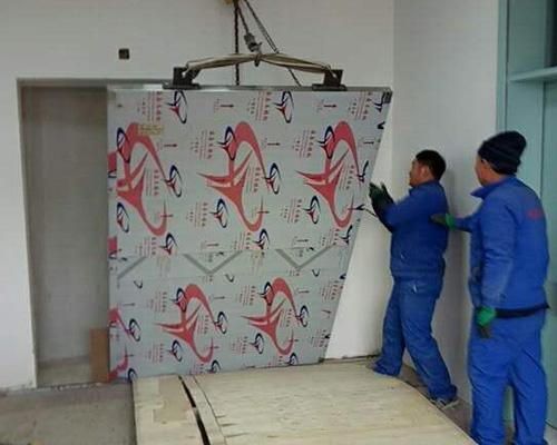安装防辐射门
